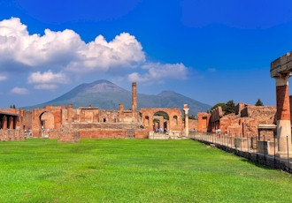 Culinary and Cultural Discovery of Naples, Pompeii and Capri